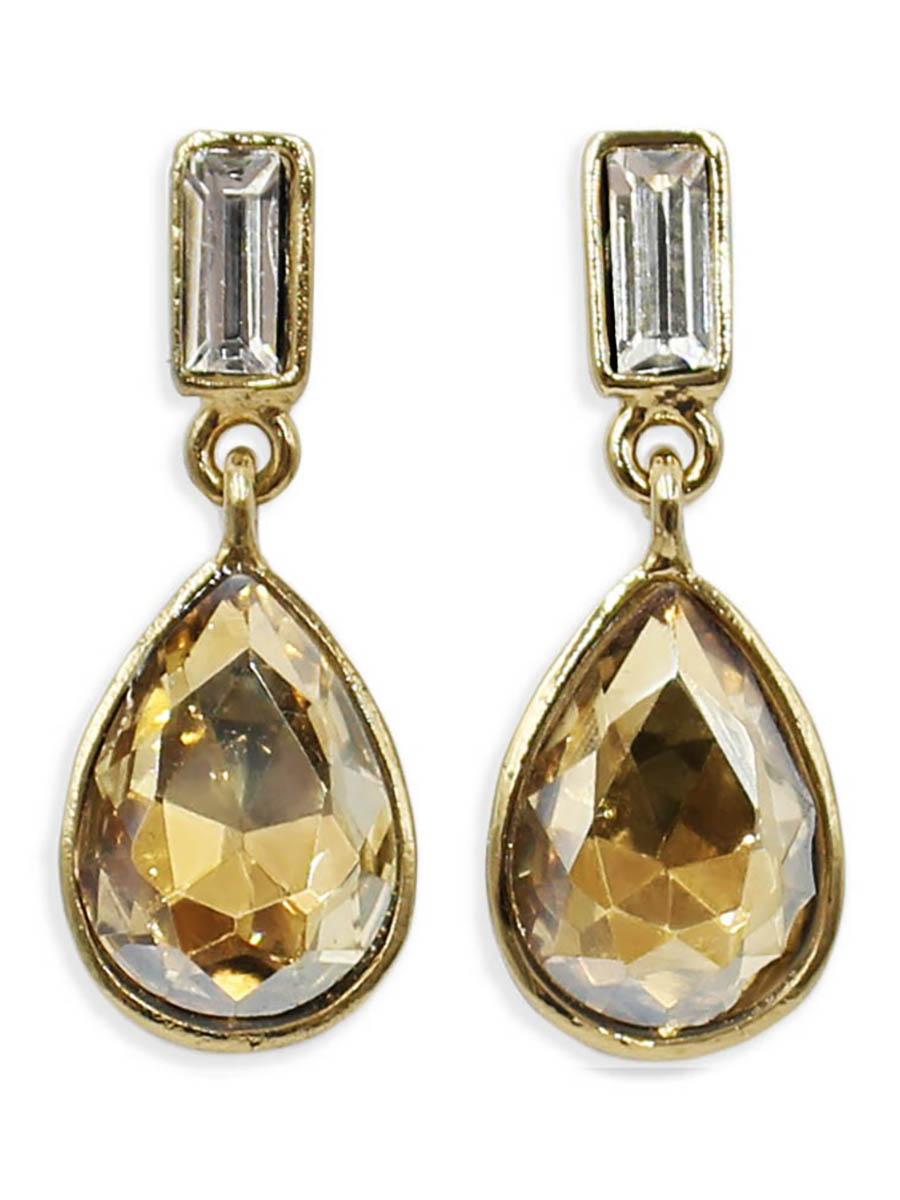 Серьги Taya, цвет: золотистый. T-B-12388T-B-12388-EARR-GOLDСерьги-гвоздики с заглушкой металл-пластик изготовлены из бижутерного сплава. Милые серьги выполнены с каплевидным кристаллом солнечного теплого цвета.