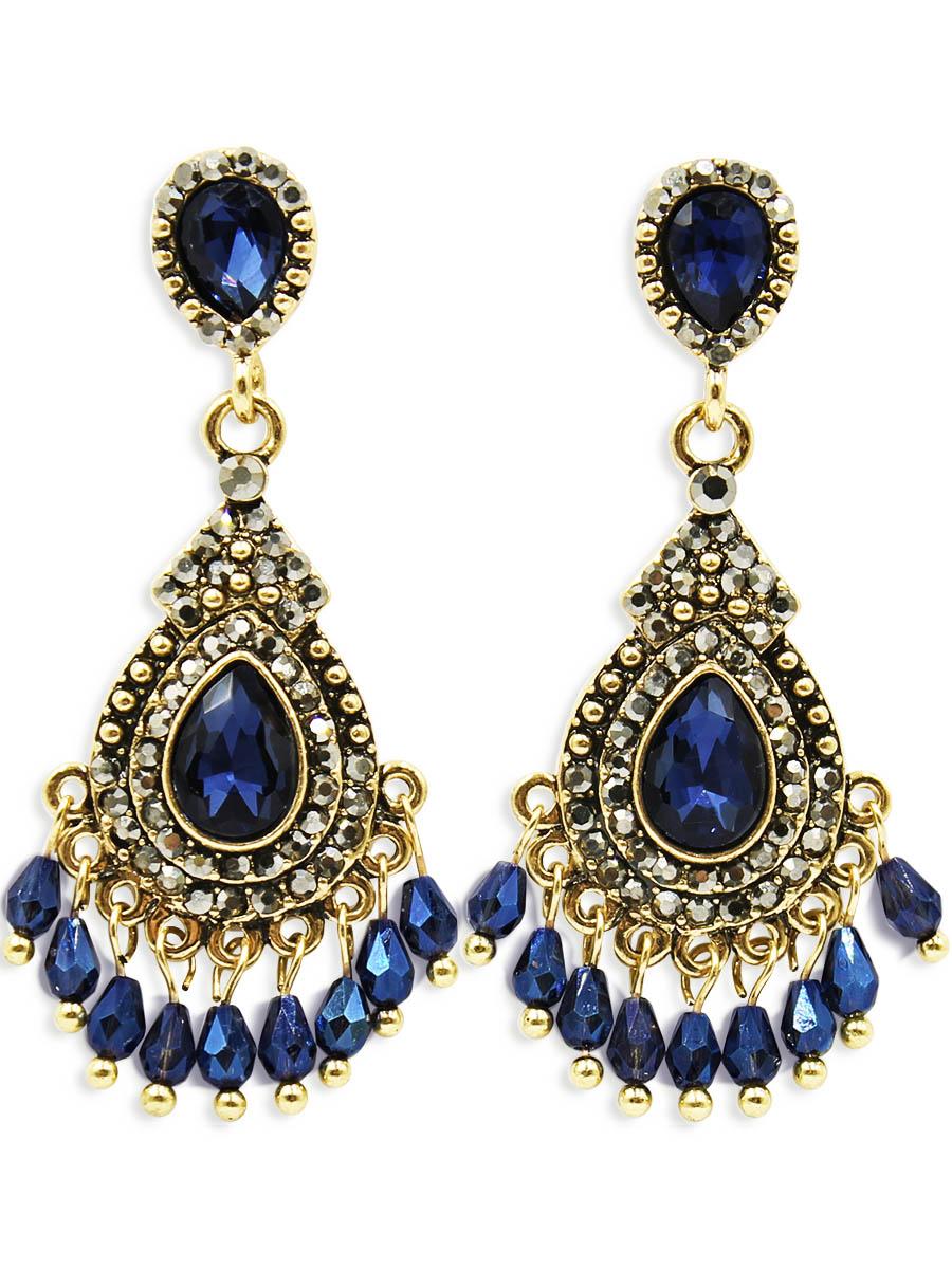 Серьги Taya, цвет: золотистый, темно синий. T-B-12455T-B-12455-EARR-GL.D.BLUEСерьги-гвоздики с заглушкой металл-пластик. В украшении заложены восточные мотивы - это яркие краски и элегантность. Богатое золото, сапфирового цвета кристалла, мелкие подрагивающие подвески - все это привлекает своей таинственностью, загадочностью и необыкновенным шармом.