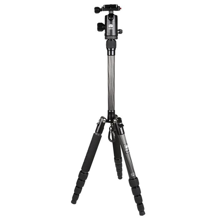 Sirui T-025X+C-10KS, Black штативT-025X+C-10KSВпечатляющий штатив Sirui T-025X+C-10KS был специально разработан для нужд сегодняшнего дня! Для съемки с помощью цифровых камер, цифровых зеркальных камер и компактных видеокамер.Штатив Sirui T-025X - это блестящий, яркий внешний вид, что делает его похожим на произведение искусства! Для него всегда найдется место в вашей сумке или рюкзаке! Штатив идеален для большинства съемочных ситуаций, его высота более чем 130 см (51,4 дюйма) при весе 700 граммов.Так же как и профессиональная линия штативов Sirui, здесь нет компромиссов в области качества. Все детали из алюминиевого сплава формуются при высокой температуре для максимальной прочности, а специальная процедура анодирования поверхности Sirui обеспечивает превосходную защиту от износа и коррозии.Штативная головка C-10KS является высококачественной шаровой головкой, которая идеально дополняет штатив. Шаровая головка имеет цветную анодированного поверхность, соответствующую цвету штатива, обеспечивая при этом превосходную устойчивость к царапинам и коррозии.