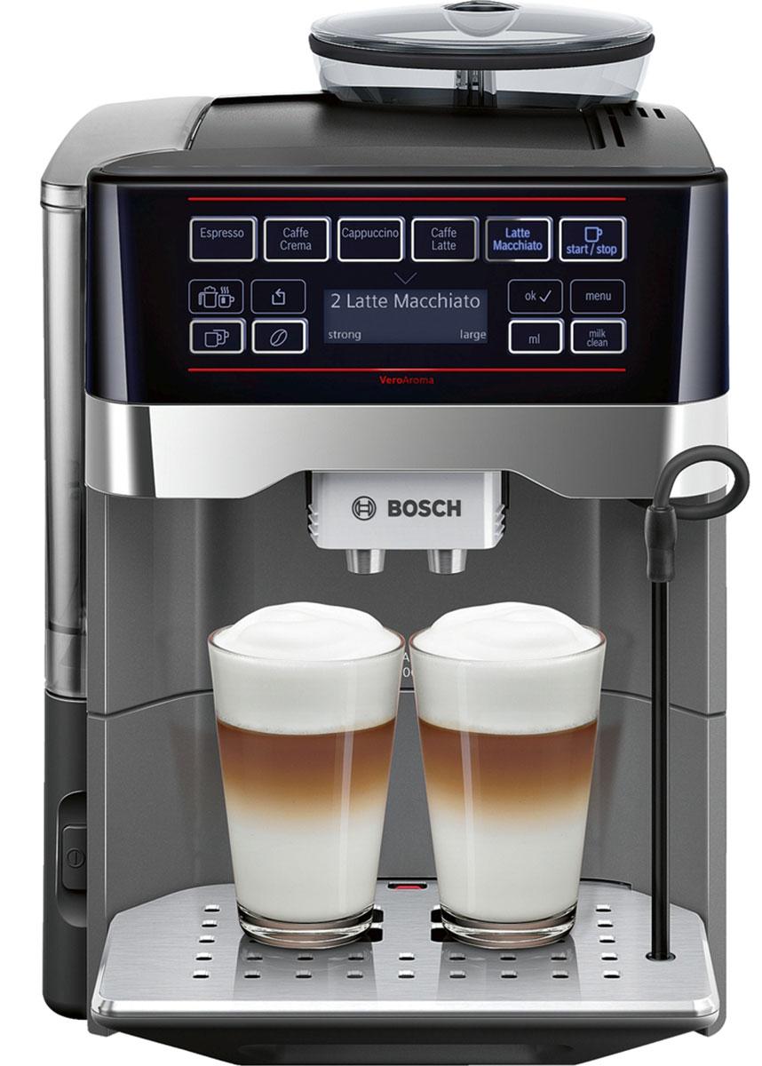 Bosch TES60523RW, Silver кофемашинаTES60523RWРазнообразие вкусных кофейных напитков быстро и просто. Нажатием одной кнопки Вы приготовите выбранный рецепт сразу в 2 чашки для себя и друга. Bosch TES60523RW имеет многообразие рецептов: эспрессо, кафе крема, капучино, кафе латте, латте макиато и др. Изысканные напитки вкусно и быстро. OneTouch DoubleCup: одновременное приготовление напитков с молоком сразу для 2-х чашек. Инновационный проточный нагреватель Intelligent Heater inside: правильная температура заваривания кофе и полноценный аромат благодаря технологии SensoFlowSystem. MilkClean: чистка молочной системы нажатием одной кнопки. Гигиенично, быстро и просто.