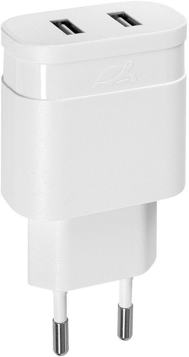 Rivapower VA4122 W00, White сетевое зарядное устройствоVA4122 W00Универсальное сетевое зарядное устройство Rivapower VA4122 совместимо со всеми устройствами, использующими USB порт для зарядки своих аккумуляторов. Позволяет заряжать 2 устройства одновременно, занимая всего одну розетку. Высококачественные компоненты, встроенные фильтры, защита от скачков напряжения, защита от перегрузки, перегрева и короткого замыкания делают процесс зарядки быстрым, эффективным и безопасным. Корпус сделан из негорючего пластика, устойчивого к механическим повреждениям. Компактные размеры зарядного устройства позволяют свободно пользоваться соседними розетками и делают его очень удобным в поездках.