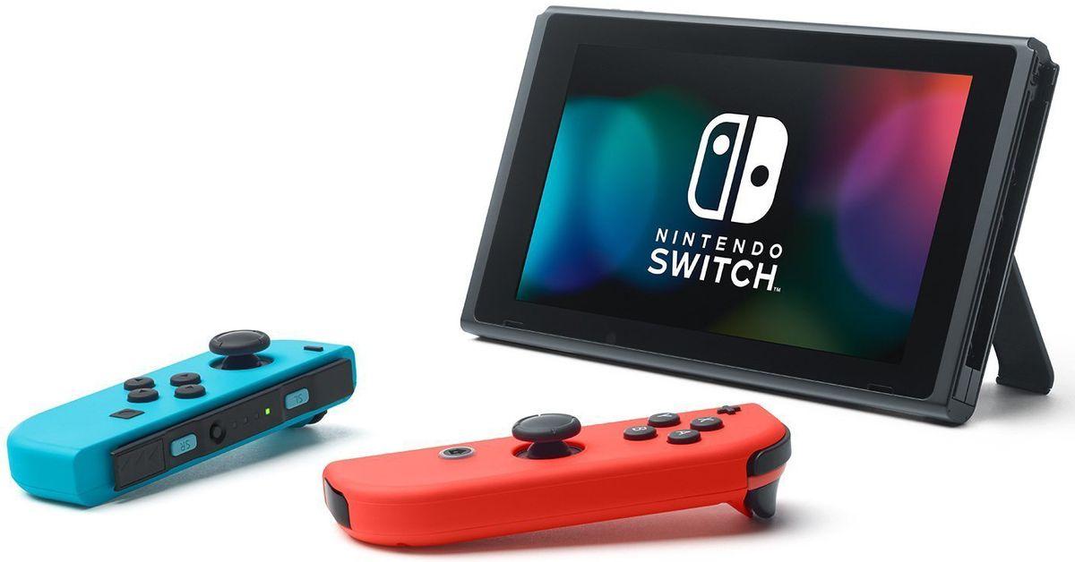 Игровая консоль Nintendo Switch ConSWT2, Red Blue NeonConSWT2Nintendo Switch - инновационная игровая консоль-гибрид. Ее не только можно подключить к телевизору, она также мгновенно превращается в портативную игровую систему с экраном 6,2 дюйма. Впервые игроки смогут наслаждаться масштабными игровыми проектами, типичными для домашних консолей, где угодно и когда угодно. Игровая консоль поддерживает Amiibo и многопользовательскую локальную/онлайн игру на 8 человек. Многофункциональные контроллеры Joy-Con предлагают игрокам новые возможности для развлечений. Каждый Joy-Con оснащен полным набором кнопок и может выступать в качестве самостоятельного контроллера. Каждый контроллер оснащен акселерометром, гироскопом, а также поддерживают функцию вибрации HD. Подключите консоль к телевизору, и все от мала до велика смогут погрузиться в игровые миры. Отличный способ играть в видеоигры дома с друзьями и родными. Если у вас нет доступа к телевизору, откиньте опору консоли и вручите другу контроллер Joy-Con,...