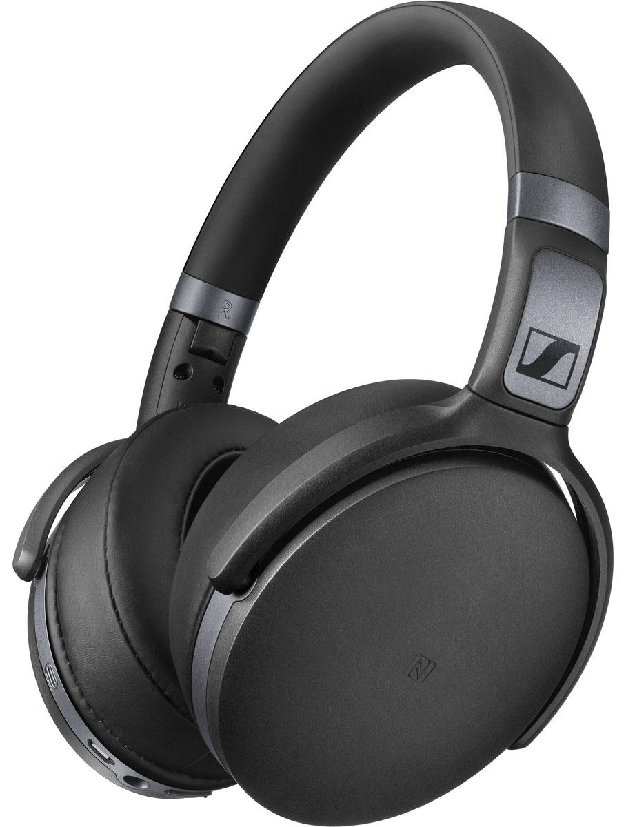 Sennheiser HD 4.40 BT, Black наушники506782Беспроводные Bluetooth наушники Sennheiser HD 4.40 BT гарантируют невероятное удовольствие от прослушивания как дома, так и в движении, благодаря качественному звуку, активной системе шумоподавления NoiseGardTM, большим мягким амбушюрам, прочной складной конструкции и длительному времени автономной работы. Закрытые наушники специально спроектированы для использования с мобильными устройствами и являются идеальным компаньоном для прослушивания аудио контента на ходу. Оценить легендарное качество звука помогут 32 мм преобразователи Sennheiser. В наушниках HD 4.40 BT передовые технологии беспроводной связи: версия Bluetooth 4.0, кодек aptX, функция NFC. Удобные органы управления аудио контентом и микрофон для телефонных разговоров размешены на правой чашке наушников. Эргономичные охватывающие амбушюры обеспечивают непревзойдённый комфорт даже при длительном использовании. Одного заряда аккумулятора хватает на 25 часов беспрерывной работы. Наушники также...