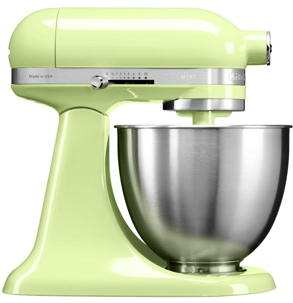 KitchenAid Mini, Light Green миксер (5KSM3311XEHW)5KSM3311XEHWМиксер KitchenAid Mini идеально подходит для небольшой домашней кухни и не занимает много места. Легендарный планетарный миксер KitchenAid стал на 25% легче и на 20% компактнее, чем классический миксер Artisan с откидной головкой. При небольших габаритах эта модель обладает такой же превосходной производительностью, как и старшие братья, от которых KitchenAid Mini унаследовал элегантный узнаваемый дизайн с округлыми линиями и откидывающейся рабочей частью. Великолепная производительность: миксер способен справиться с любыми рецептами, разработанными для классических моделей KitchenAid Artisan, с перерасчетом на меньший объем. Прямой привод обеспечивает мощный крутящий момент, поэтому миксер легко справится даже с плотным тестом для лапши. Планетарное вращение: эта технология смешивания и взбивания дает наилучшие результаты за счет разнонаправленного вращения венчика и рабочей части головки миксера. Благодаря этому венчик описывает сложную спиральную...
