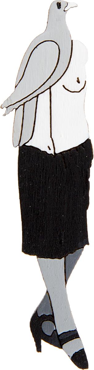 Брошь Santa conversazione. Дерево, роспись, ручная работа. РоссияАжурная брошьБрошь выполнена по картине Макса Эрнста Santa conversazione, 1921 г.Дизайнеры: Олеся Луконина, Николай Уренцов.Дерево, роспись, ручная работа.Россия.Размер: 6 х 1,5 см.Тип крепления - булавка с застежкой.Брошь унисекс - подойдет как необычное украшение для мужчин и женщин! Можно носить на одежде, шляпе, рюкзаке или сумке.
