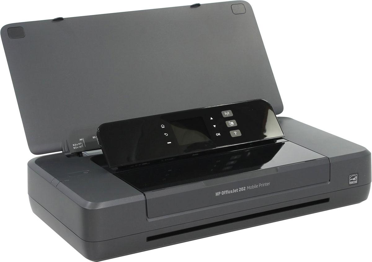 HP Officejet 202 (N4K99C) мобильный принтерN4K99CБлагодаря производительному и портативному принтеру HP Officejet 202, вы сможете работать в любом уголке мира, наличия сети для этого не требуется. Устройство работает быстро и практически бесшумно, оно не требует частой зарядки и позволяет печатать больше страниц на каждый картридж. Отправлять материалы на печать можно напрямую с ноутбука или мобильных устройств, установив с ними беспроводное подключение. Наличие маршрутизатора при этом необязательно. Печать первой страницы занимает всего несколько минут. HP Auto Wireless Connect значительно упрощает настройку. Благодаря аккумулятору увеличенной емкости удается сократить время простоев. Большая и удобная в использовании панель управления поможет работать эффективно. Полноценная работа в течение всего дня. Зарядить устройство можно дома, в машине, в офисе и в других местах. HP Fast Charge позволяет заряжать принтер в выключенном состоянии всего за 90 минут, подключив его к источнику питания...