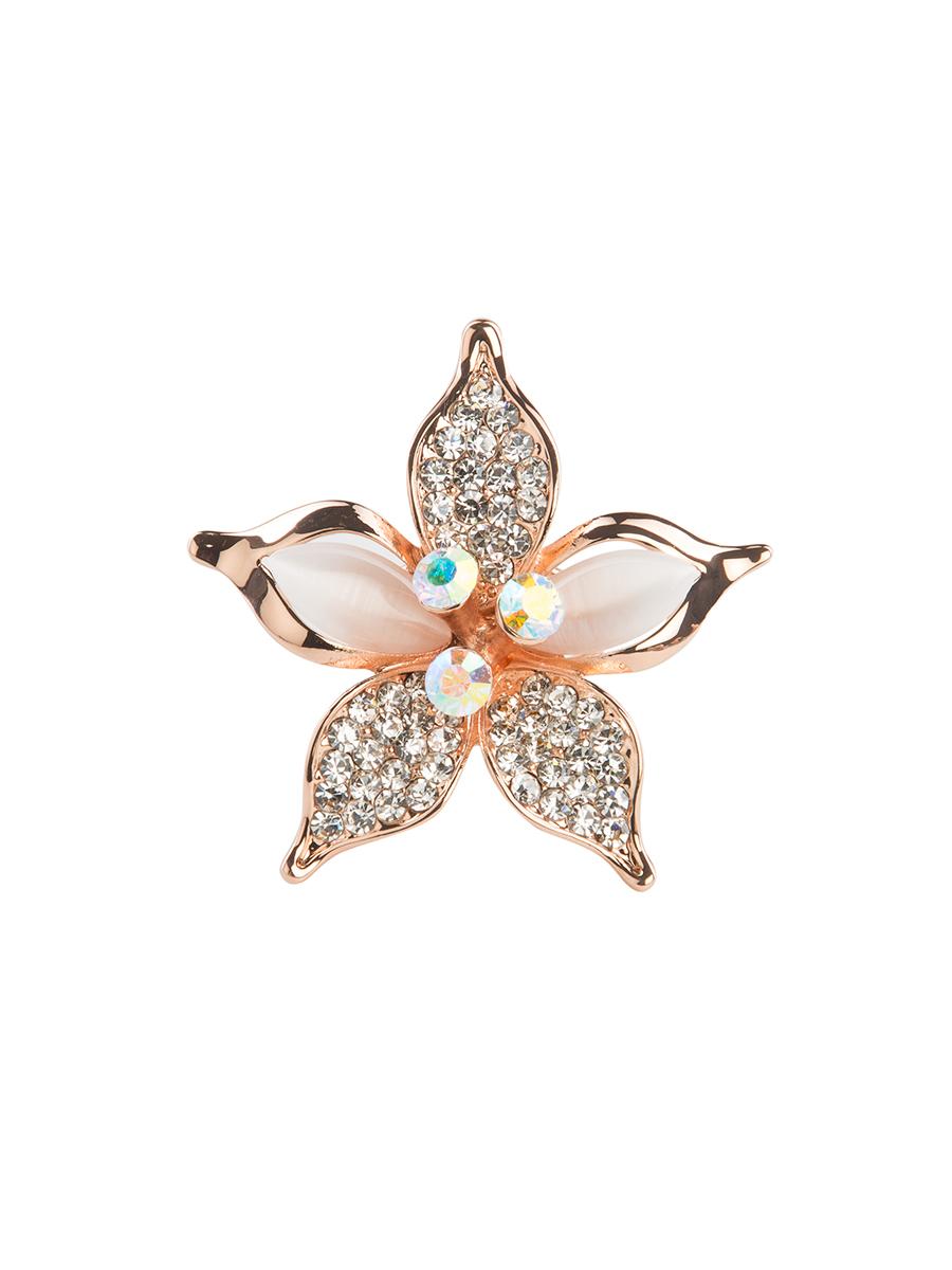 Кольцо для платка Charmante, цвет: золото. ZK013ZK013Оригинальное кольцо для платка Charmante выполнено из металла в виде цветка. Кольцо декорировано блестящими стразами. Аксессуар с внутренней стороны дополнен кольцами-держателями. Стильное кольцо придаст вашему образу изюминку и подчеркнет индивидуальность.