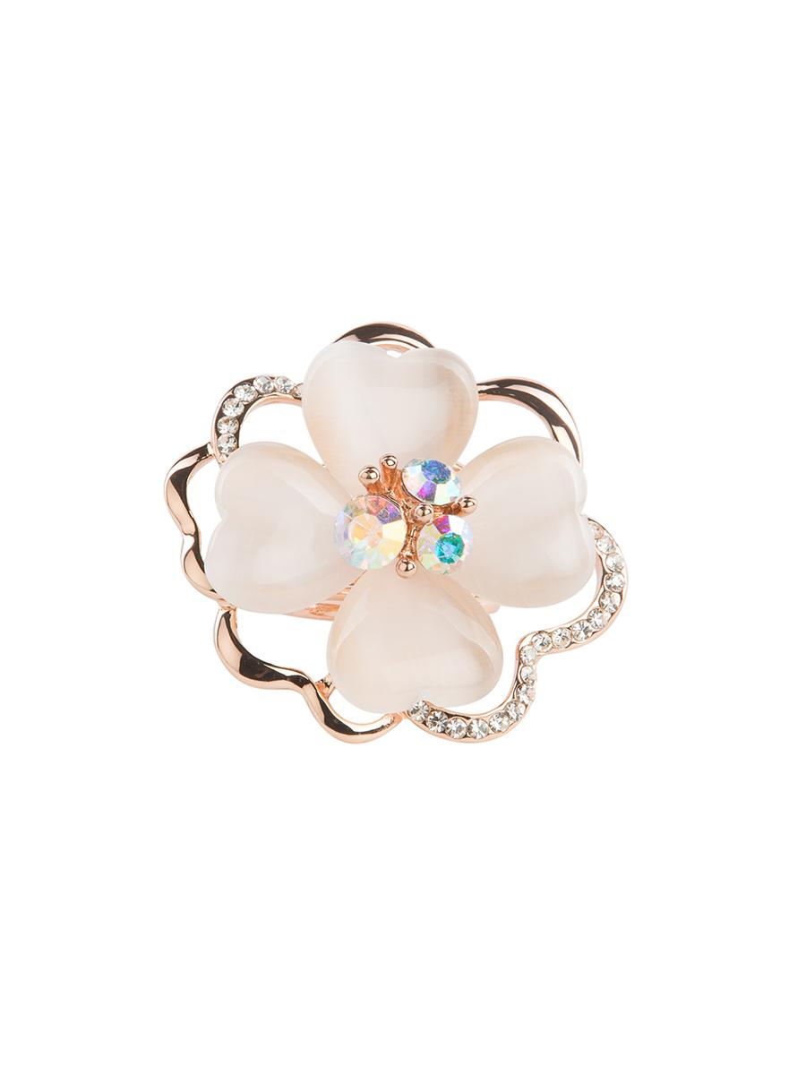 Кольцо для платка Charmante, цвет: золотой. ZK012ZK012Оригинальное кольцо для платка Charmante выполнено из металла в виде цветка. Кольцо декорировано блестящими стразами и жемчужными бусинами. Аксессуар с внутренней стороны дополнен кольцами-держателями. Стильное кольцо придаст вашему образу изюминку и подчеркнет индивидуальность.