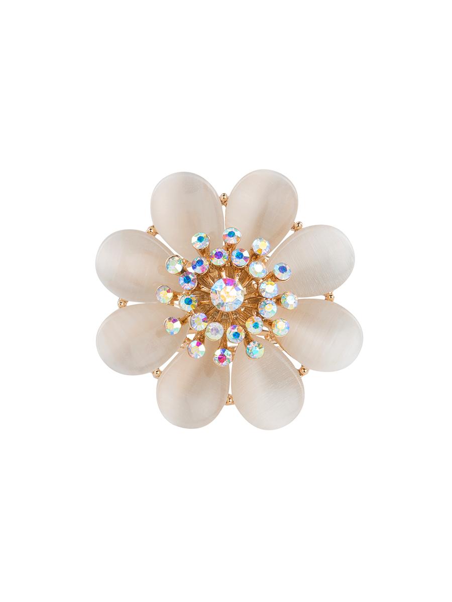 Кольцо для платка Charmante, цвет: белый, золотой. ZK017ZK017Оригинальное кольцо для платка Charmante выполнено из металла в виде цветка. Кольцо декорировано стразами и жемчужными бусинами. Аксессуар с внутренней стороны дополнен кольцами-держателями. Стильное кольцо придаст вашему образу изюминку и подчеркнет индивидуальность.