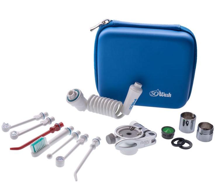 Ирригатор SoWash Delux4Ирригатор SoWash Семья DELUXE включает в себя все необходимые насадки, фильтры и переходники. Самый полный набор. Компакнтый бокс премиум всегда удобно вязать с собой в дорогу. Набор включает в себя: - 1 систему Sowash; - 1 насадку для глубокого очищения; - 1 породонталогическую насадку с тройной водяной струей (турбопоток); - 1 насадку для чистки имплантов; - 1 насадку зубная щетка с одной струей; - 1 насадку для очищения с ультра сильной струей; - 1 насадку Vortice Active tip; - 1 насадку Vortice Spacer tip; - 1 металический переходник с наружной резьбой; - 1 металический переходник с внешней резьбой; - 1 фильтр для переходника; - 1 уплотнительное кольцо; - 1 резиновую прокладку; - 1 фирменный бокс для транспортировки ирригатора Sowash; - 1 инструкцию Все насадки\акссесуары Sowash подходят для любого из наборов...