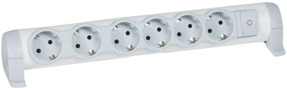Legrand Комфорт сетевой удлинитель 6 x 2К+З, без кабеля694639В сетевом удлинителе розетки в колодке с заземлением Legrand Комфорт расположены под углом, что удобно для подключения большого числа устройств. Конструкция позволяет поворачивать колодку в нужном направлении, крепить с помощью кронштейна к стенам, мебели, рабочим поверхностям. Ультраплоская форма утопленных розеток типа евростандарт позволяет установку под мебелью.