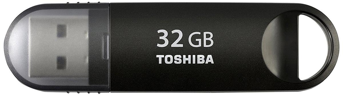 Toshiba U361 32GB, Black флеш-накопительTHN-U361K0320M4Toshiba U361 USB 3.0 - компактный и быстрый USB-накопитель. Перемещайте видео- и другие объемные файлы с данными с помощью высокоскоростного флэш-устройства компании Toshiba с интерфейсом USB 3.0. Этот накопитель новой серии позволяет переносить данные в два раза быстрее, чем при использовании интерфейса USB 2.0. В основу дизайна флэш-накопителя с интерфейсом USB 3.0 положена концепция самого популярного USB- накопителя компании Toshiba. Теперь вы можете наслаждаться высокой производительностью в сочетании с любимым дизайном.
