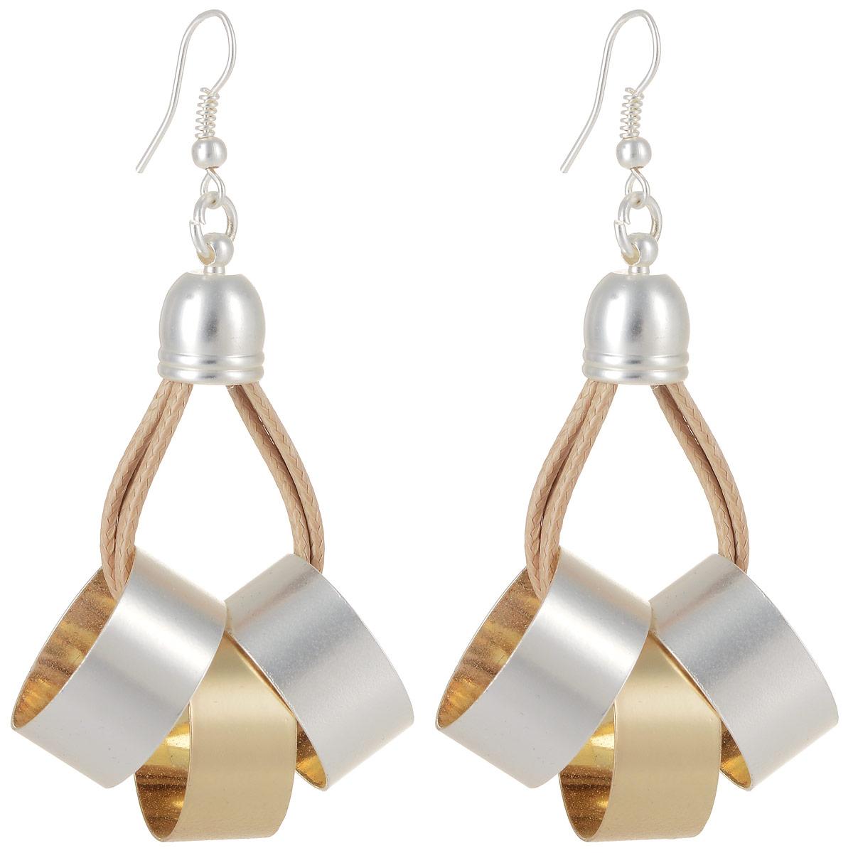 Серьги Art-Silver, цвет: золотой, серебристый. СРГ5007-1-340СРГ5007-1-340Стильные серьги Art-Silver выполнены из латуни с гальваническим покрытием. Серьги оформлены оригинальными декоративными подвесками. Серьги выполнены с замком-петлей. Такие серьги будут ярким дополнением вашего образа.