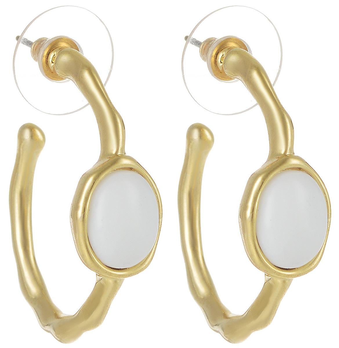 Серьги Art-Silver, цвет: золотой. М5078-405Серьги с подвескамиСтильные серьги Art-Silver выполнены из бижутерного сплава. Серьги оформлены оригинальными декоративными вставками. Серьги выполнены с замками-гвоздиками. Такие серьги будут ярким дополнением вашего образа.