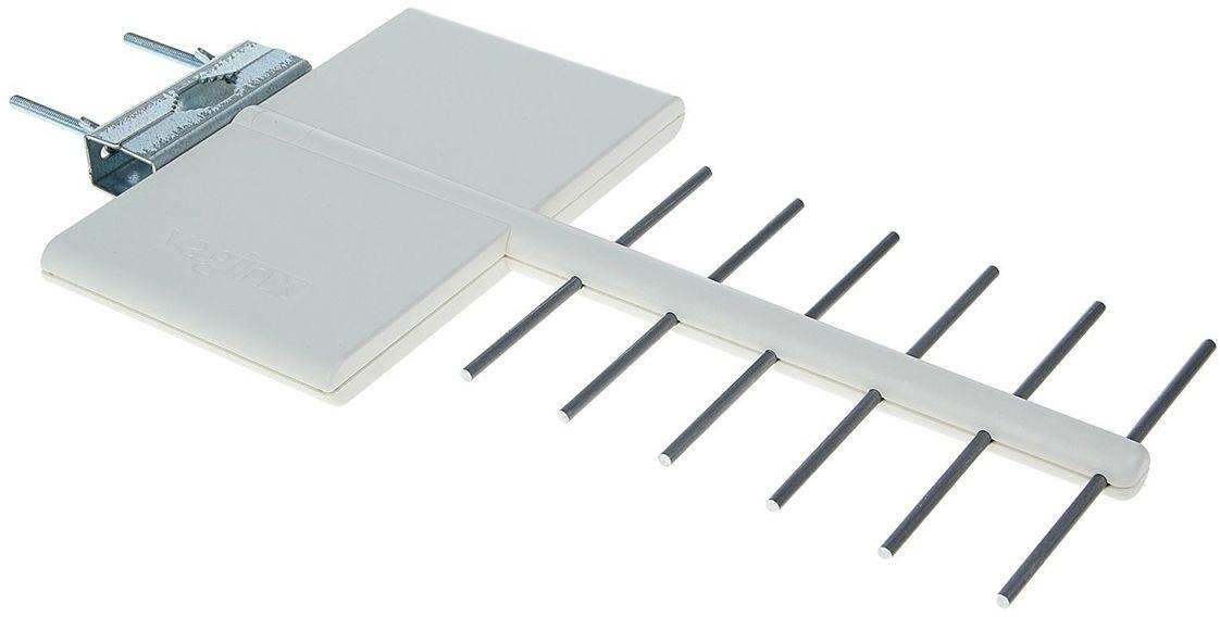 Funke YagiNX антенна для цифрового ТВ (активная)14380Активная наружная антенна Funke YaGINX это мощная антенна дальнего действия в компактном корпусе. Рекомендуется для установки в пригородах и в районах плотной городской застройки в зонах неуверенного приема со слабым уровнем ТВ сигнала.Простая установка, не требует настройки. Антенна обеспечивает надежный и качественный прием ТВ сигнала.Антенна разработана и произведена в Нидерландах, компанией Funke Digital TV. Вы получаете гарантированное европейское качество материалов и сборки.Фирменная технология производителя 4G LTE INERT technology обеспечит защиту от помех 4G мобильных сетей.Расстояние от передатчика: до 50 км;Активная антенна: да;Коэффициент усиления UHF: 27 dBi Питание: по кабелю от ресивера или через адаптер;Корпус: защитный корпус из ударопрочного пластика; Адаптера в комплекте нет