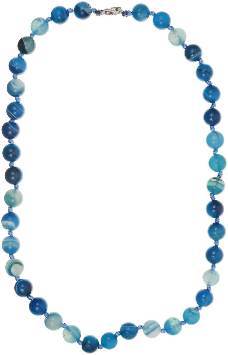 Бусы Револю Классика № 10, цвет: синий. НАГ-1(10)-48-12НАГ-1(10)-48-12Материал - натуральный агат. Украшение выполнено из круглых бусин среднего размера без огранки. Цвет - ярко-синие, некоторые камни - темного оттенка или белые. На бусинах природный рисунок в виде окружностей. Диаметр бусин 10 мм. Длина изделия 48 см. Наполненное сочным цветом украшение - прекрасное дополнение к строгому костюму или наряду в пастельных тонах. Синий подойдет обладательнице любого цвета глаз или волос, сделав ее заметной. А доступная цена - еще один аргумент в пользу того, чтобы приобрести эту Классику!