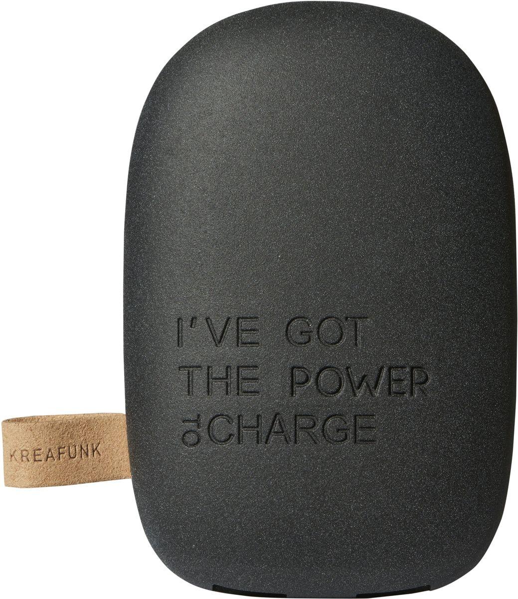Kreafunk toCHARGE, Black внешний аккумуляторKfsk80Небольшой и изящный аккумулятор в стильном дизайне. toCHARGE гарантирует, что ваш смартфон, планшет или другие портативные устройства не останутся без энергии. Благодаря компактному размеру аккумулятор удобно носить с собой. Он идеально подходит для путешествий, долгих прогулок или встреч вне дома или офиса. В корпусе предусмотрено два USB порта, что позволяет одновременно заряжать два устройства. Мешок для хранения в комплекте. Аккумулятор упакован в красивую деревянную коробку, которую украшают слова из популярного сингла 90-х: «I've got the power». Технические характеристики: Литиевый аккумулятор 6000 мАч 4 LED светоиндикатор оставшейся емкости батареи и статуса зарядки Встроенный микропроцессор для предотвращения избытка и недостатка зарядки, перегрузки и короткого замыкания Подходит для iPhone Android, PSP, MID, мобильных телефонов, MP3, GPS и похожих устройств Автоматическое включение и выключение питания Выходная мощность 5В/1A & 5В/2.1A ...