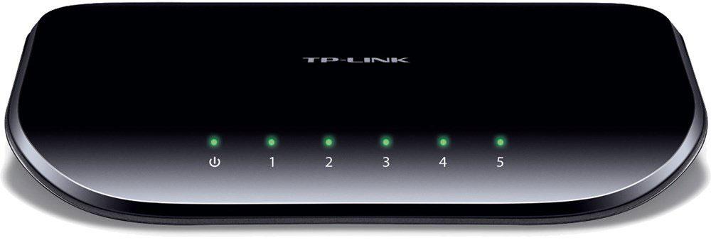 TP-Link TL-SG1005DTL-SG1005D5-портовый гигабитный настольный коммутатор TP-Link TL-SG1005D представляет собой простое решение для перехода на гигабитный Ethernet. Повысьте скорость Вашего сетевого сервера и скорость соединения с магистральным коммутатором. Более того, применение инновационной энергосберегающей технологии позволит сберечь до 80% потребляемой электроэнергии, поэтому TL-SG1005D представляет собой экологически безопасное устройство для вашей офисной сети. Гигабитный коммутатор Модель TL-SG1005D оснащена 5 портами 10/100/1000 Мбит/с, что значительным образом увеличивает пропускную способность Вашей сети, позволяя передавать файлы большого размера в кратчайшее время. Поэтому пользователи дома, в офисе, в рабочей группе или дизайн-студии теперь могут быстрее передавать большие, чувствительные к пропускной способности канала файлы. Мгновенная передача по сети графики, CGI-, CAD- и мультимедиа-файлов. Выбор режима питания в зависимости от длины кабеля Короткий кабель...